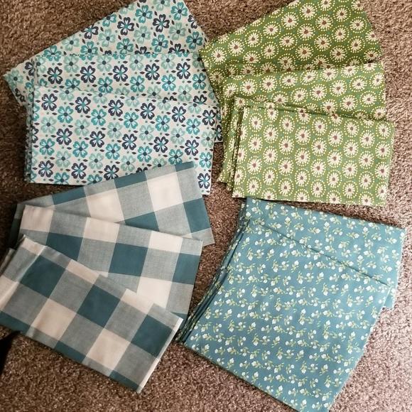 Beautiful blue/green kitchen linen set